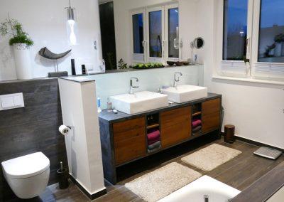 Waschtischschrank mit Aufsatzbecken