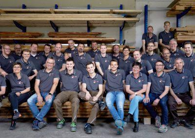 Tischlerei Brümmer Teamfoto im alten Lager