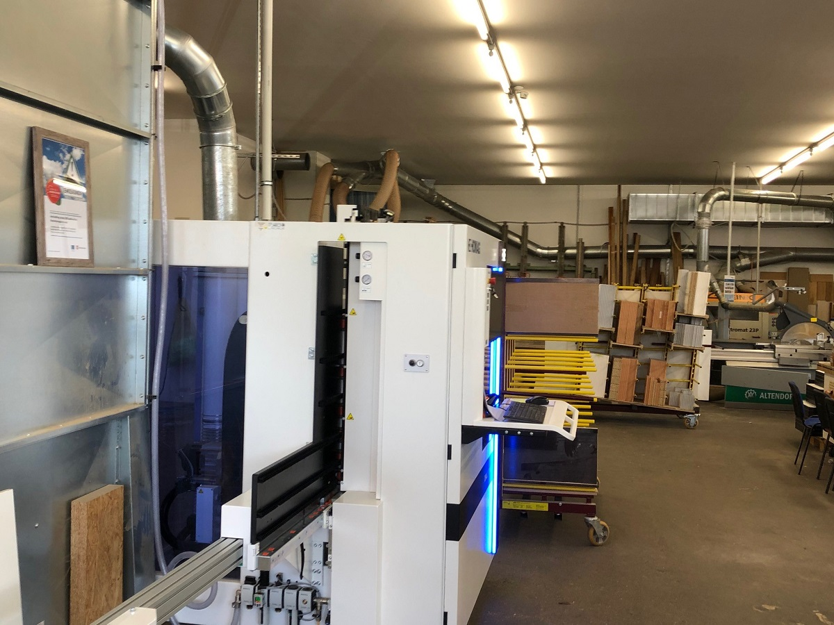 CNC-gesteuerte Bearbeitungszentrum Foerderprojekt 2020 Tischlerei Peter Bruemmer